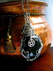 Amuletos para ritual en la luna azul