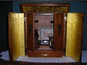 """La real caja Dibbuk e1344185809646 300x225 - """"The Possession"""", la historia real"""