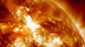 Super tormenta solar e1344358893599 300x166 - Los científicos advierten sobre una tormenta solar de gran magnitud