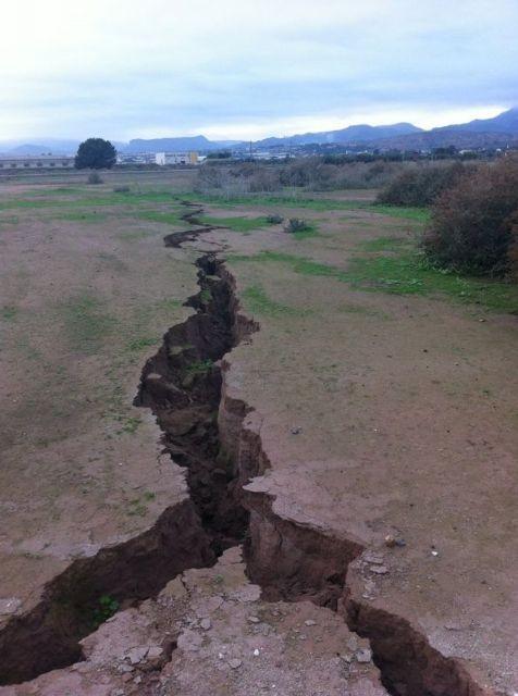 Extranas grietas en la corteza de la tierra e1353536072236 - Desastres naturales masivos, ¿que está pasando?