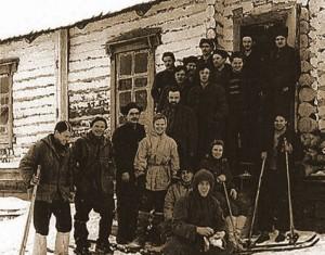 La expedicion de diatlov e1353204580365 300x235 El Incidente del Paso Diatlov, la montaña de los muertos