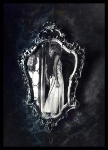 La leyenda de Bloody Mary e1352660271655 215x300 - Espejos, ventanas a otros mundos