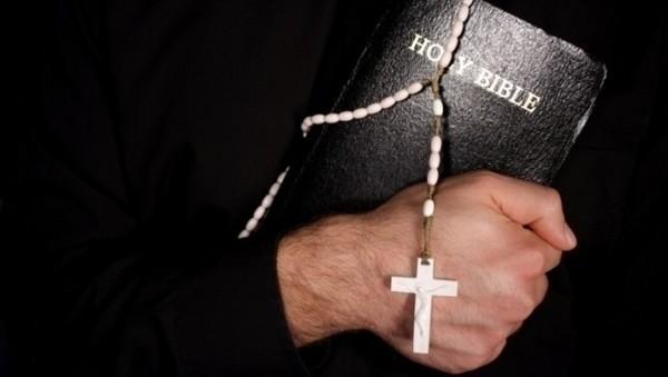 El vaticano crea su propia línea de teléfono para exorcismos