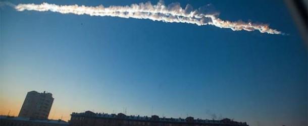 Impacta un supuesto meteorito provocando el pánico en Rusia