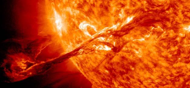 """La supertormenta solar es inevitable en cualquier momento - Los científicos alertan: """"La Supertormenta solar es inevitable en cualquier momento"""""""