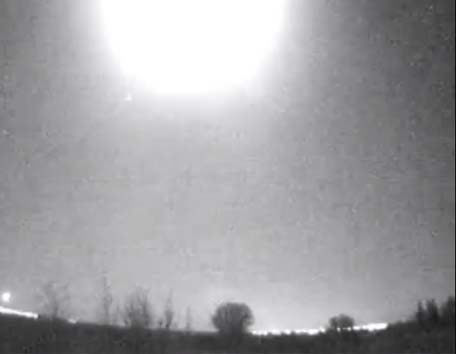 Bola de fuego en Espana 2 - Misteriosa bola de fuego ilumina los cielos de España