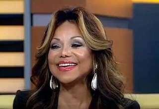 La Toya Jackson afirma que el espíritu de Michael Jackson permanece en la Mansion en Encino 320x220 - La Toya Jackson afirma que el espíritu de Michael Jackson permanece en la Mansión de Encino