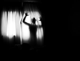 La hora de las brujas - 03:33 am, la hora del Tiempo Muerto