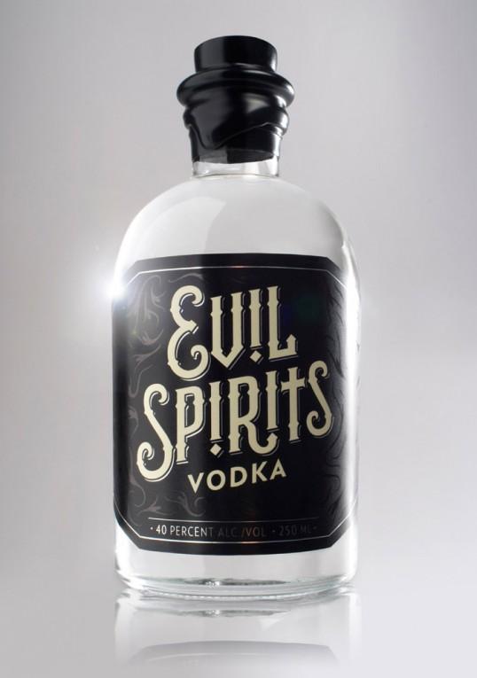 Evil Spirits Vodka 2 - Evil Spirits Vodka, una combinación perfecta de alcohol y Ouija para atraer el mal