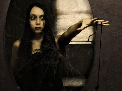 Fantasmas en los espejos Espejos, portales al más allá