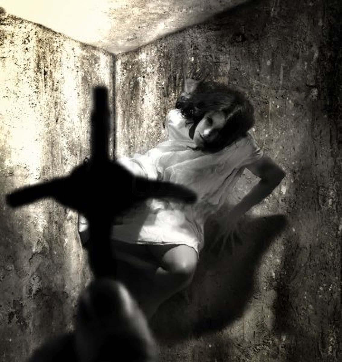 Exorcismo - Mujer sufre una parada cardíaca durante un exorcismo