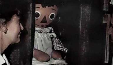 "Annabelle la verdadera muneca poseida 384x220 - Annabelle, la verdadera muñeca poseída de la película ""Expediente Warren: The Conjuring"""