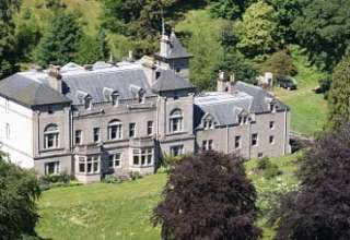 Castillo encantado Balavil 320x220 - Se vende el famoso castillo encantado Balavil en Escocia