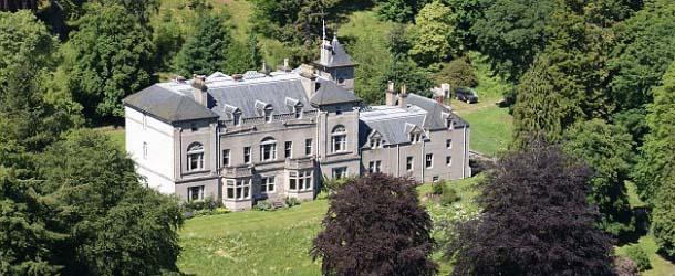 Se vende el famoso castillo encantado Balavil en Escocia