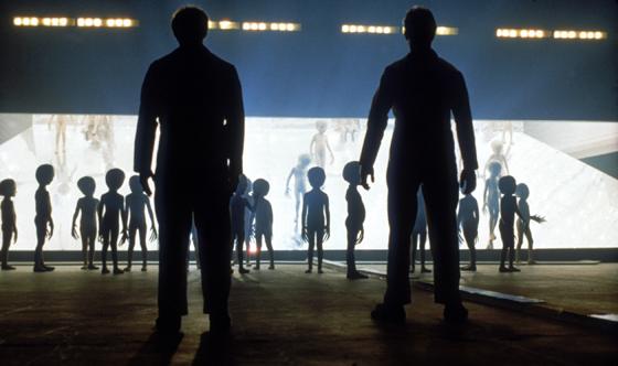 Contactaremos con seres extraterrestres - Astrónomo del SETI asegura que contactaremos con seres extraterrestres dentro de 25 años