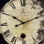 Físico británico afirma que ya es posible construir una máquina del tiempo