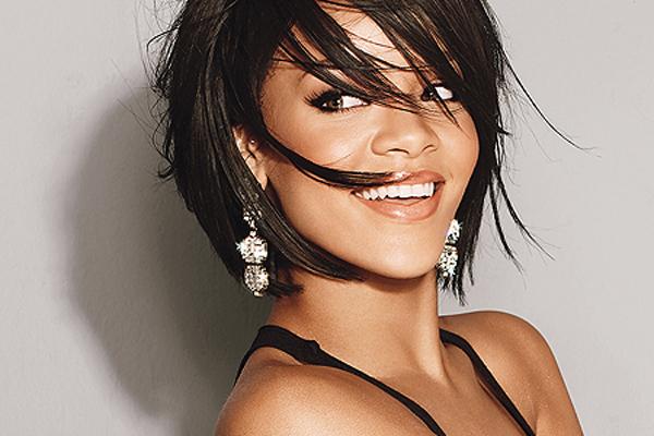 Rihanna La cantante Rihanna contrata a un experto ufólogo para que le informe de los últimos acontecimientos OVNI