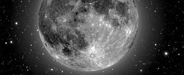 Luna satelite artificial - ¿Es la Luna un satélite artificial?