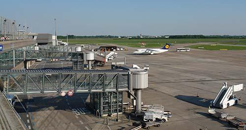 Aeropuerto Bremen - Un OVNI obliga a cancelar vuelos en el aeropuerto de Bremen en Alemania