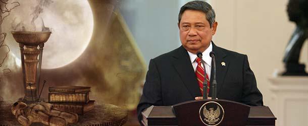 El presidente de Indonesia revela que cree en la brujería