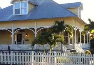 Venta propiedades Florida fantasma 320x220 - A la venta una de las propiedades más distinguidas de Florida, con fantasma incluido