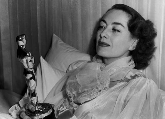 Joan Crawford - Apariciones fantasmales de actores ganadores de Oscars
