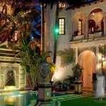 Los Beckham compran la mansión embrujada de Versace