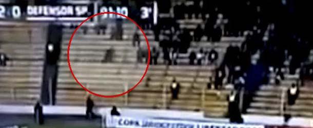 """aparece fantasma futbol - Aparece un """"fantasma"""" en el transcurso de un partido de fútbol en Bolivia"""