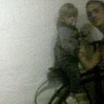 Una familia es perseguida por el fantasma de una niña de la época victoriana en un museo de Inglater...