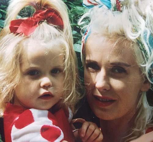 peaches twitter Peaches Geldof encontrada muerta pocos meses después de la publicación de una fotografía fantasmal