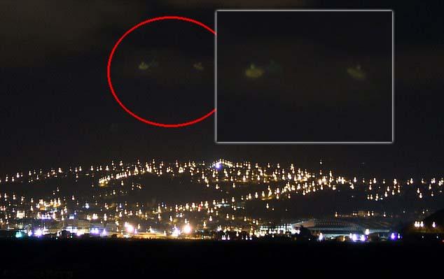 """ovnis cielos nueva zelanda - Fotografían dos """"ovnis"""" sobrevolando los cielos de Nueva Zelanda"""