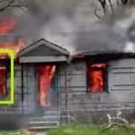 Bombero fotografía una presencia fantasmal en una casa en llamas
