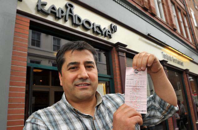 Camarero gana lotería