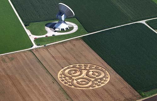 circulo cosechas alemania - Aparece un enorme círculo de las cosechas en un campo de Alemania