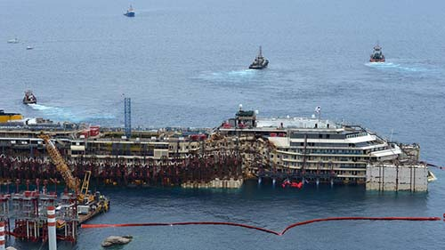 costa concordia - Fotografían una figura espectral en el interior del Costa Concordia