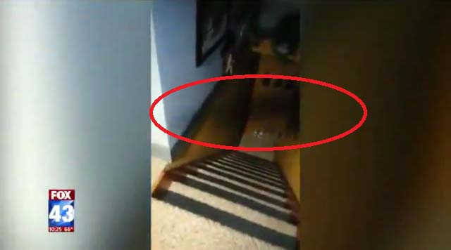 entidades demoniacas reportaje - Entidades demoníacas atacan a periodistas durante un reportaje en una casa de Pensilvania