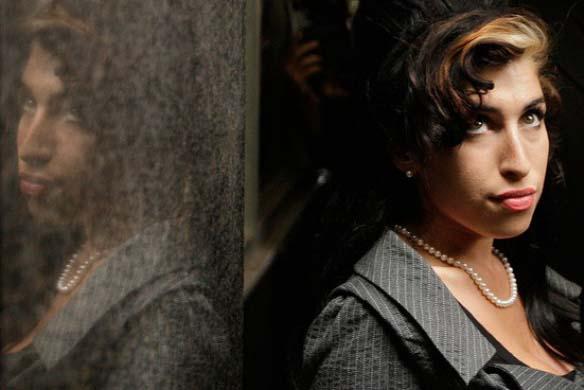 espiritu amy winehouse - Mitch Winehouse revela que se comunica con el espíritu de su difunta hija