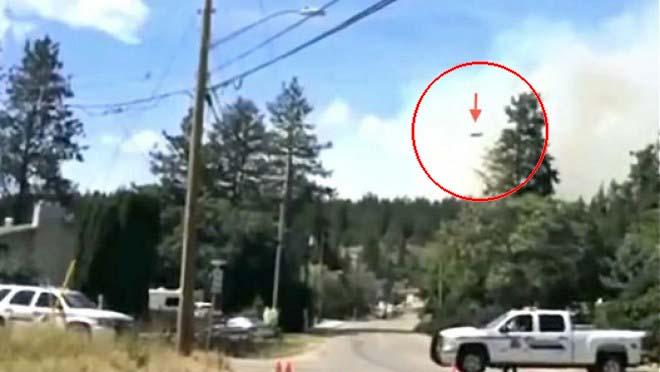 ovni un incendio forestal Equipo de reporteros canadiense graban un OVNI mientras informan sobre un incendio forestal