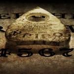 Una mujer es amenazada de muerte por una entidad demoníaca cuando utilizaba la ouija