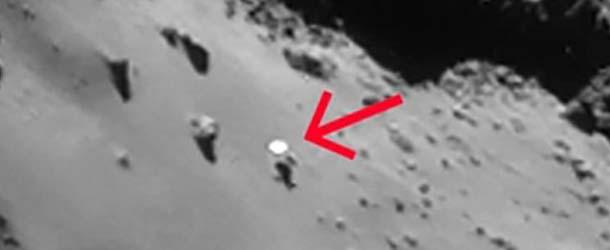 ovni cometa 67p - Descubren un OVNI sobre la superficie del cometa 67P