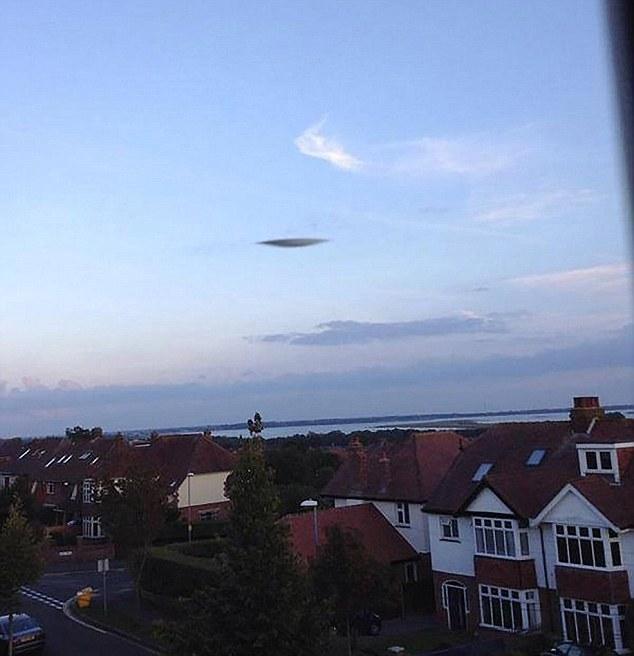 ovni portsmouth nube Meteorólogos descartan que el OVNI aparecido en Portsmouth pueda ser una nube