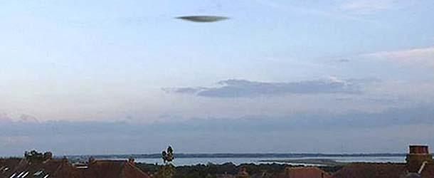 ovni portsmouth - Meteorólogos descartan que el OVNI aparecido en Portsmouth pueda ser una nube