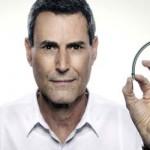 Uri Geller afirma que el iPhone 6 se dobla por el poder mental de las personas