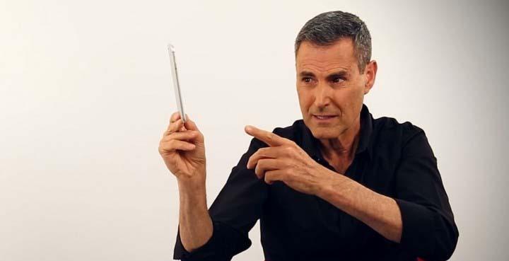 uri geller iphone - Uri Geller afirma que el iPhone 6 se dobla por el poder mental de las personas