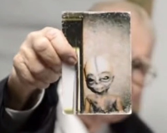 alien scientist - Scientist reveals photos and evidence confirming the existence of aliens before dying