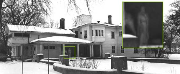 Descubren una figura fantasmal en una antigua fotografía de una mansión histórica