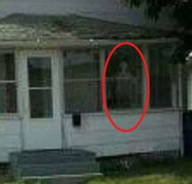 """nina documental portal infierno Una niña es poseída mientras graban un documental en la casa conocida como """"el portal al infierno"""""""