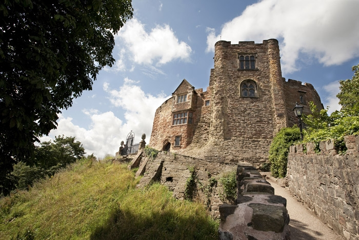 fantasmas caballeros siglo xii inglaterra - Fotografían los fantasmas de dos caballeros del siglo XII en un castillo de Inglaterra