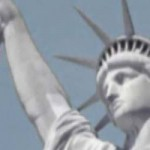Turistas graban en vídeo un OVNI sobre la Estatua de la Libertad
