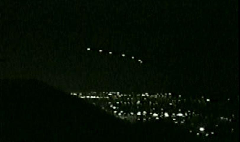 Polémico vídeo muestra aviones militares persiguiendo a ovni
